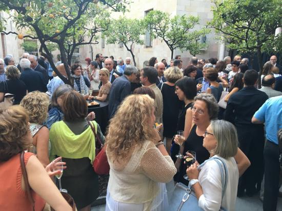 Coctel otrecido en el patio del Palau de la Generalitat