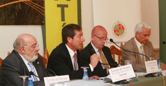 Rafael García, Pere Feliu y Eugeni Sedano intervinieron en el debate