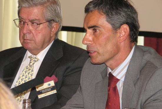 El secretario del patronato de la fundación Bamberg junto al director general de