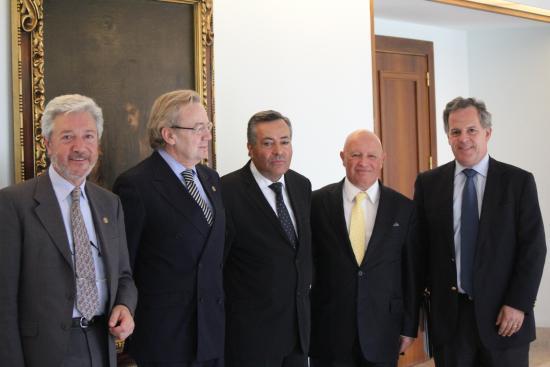 La Fundación Bamberg y Apegsaude con el Secretriao de Estado