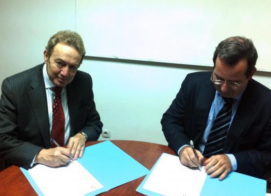 Ignacio Para y Javier Martí firma