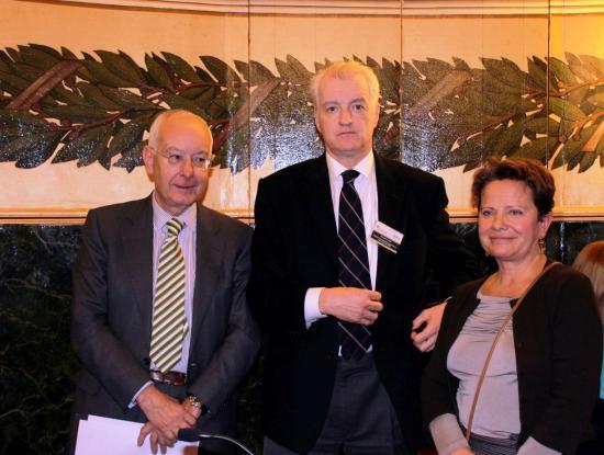 Ignacio Riesgo con el director del ICEX y Carmen Bueno de Lilly
