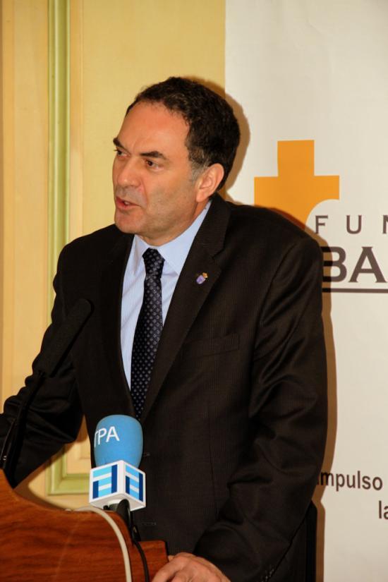 José Ramón Quirós pronuncia su conferencia