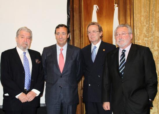 Mario Mingo y Bernat Soria con el Presidente y el Secretario de la Fundación Bam