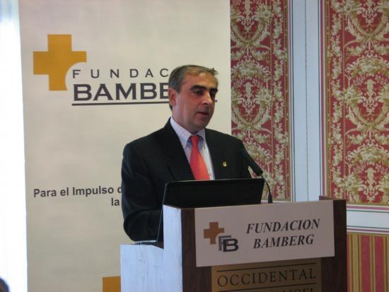El Dr. Martinez Olmos durante su exposición