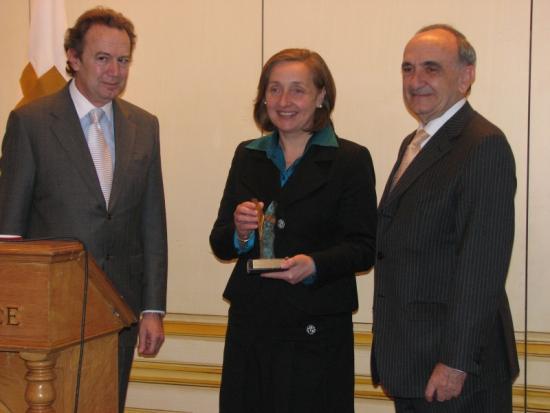 María Kutz recibe el galardón de la Fundación Bamberg