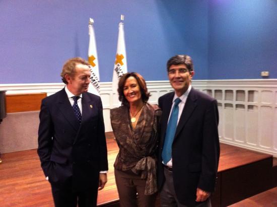 Ignacio Para con Victor Lopez (experto en RRHH de Hospitales) y su esposa Julia